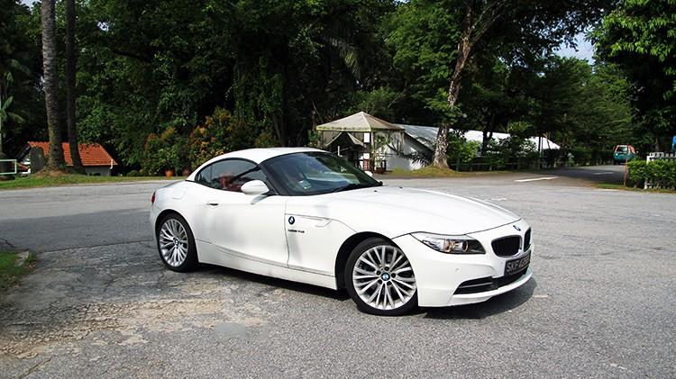 Side profile view of BMW Z4