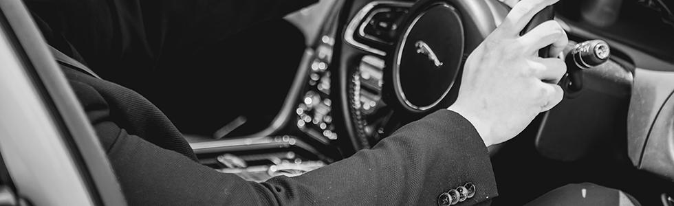 jaguar-xjl-driver