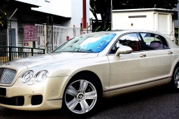 Bentley Flying Spur Exterior Angled