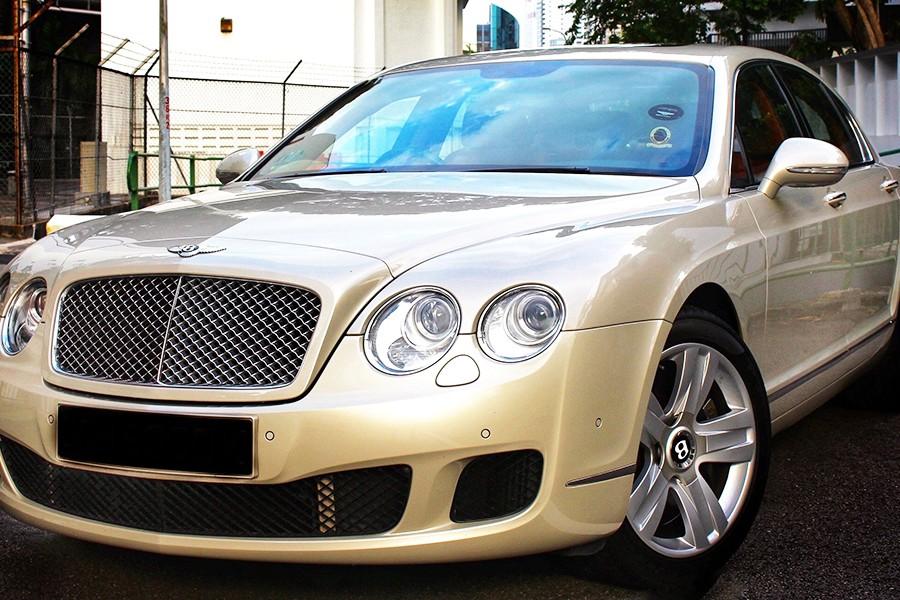 Bentley Flying Spur Exterior Front