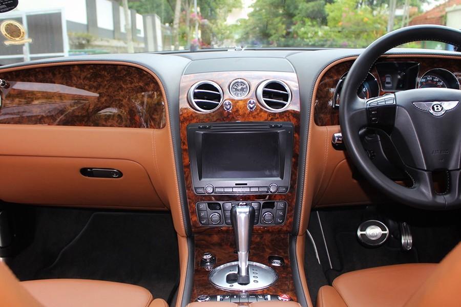 Bentley Flying Spur Interior Front
