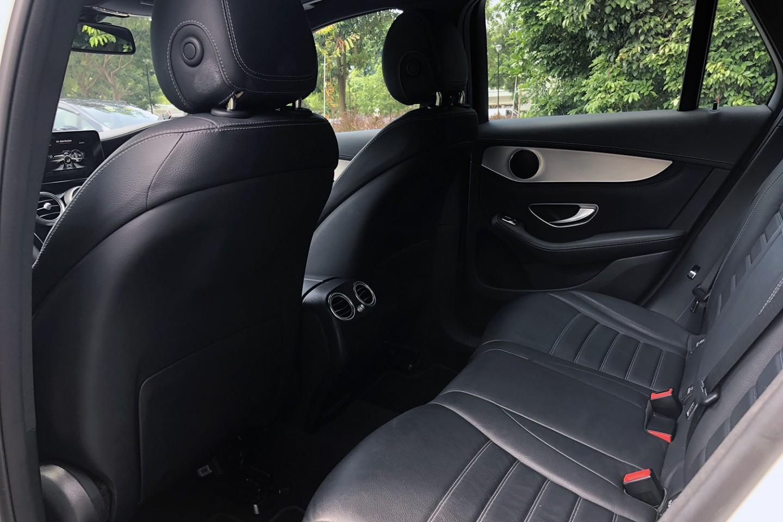 Mercedes-Benz GLC300 4MATIC rear seats view